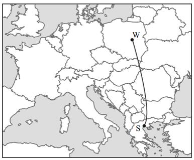 Na fragmencie mapy Europy zaznaczono granice państw i dwa miasta – Warszawę (W) i Saloniki (S).